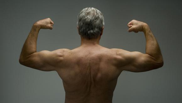 Älter als 70 Jahre, aber topfit durch Krattraining und Muskelaufbau